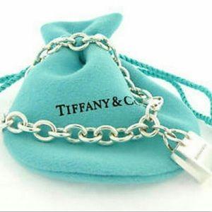 Tiffany shopping bag charm bracelet⭐️⭐️⭐️⭐️